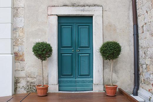 Box-Tree-Door